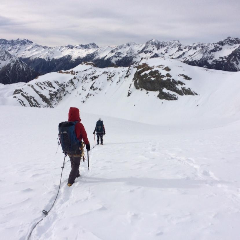 Leading along crevasses